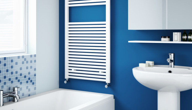 Classic towel rail in white