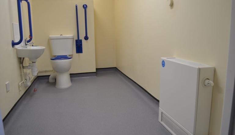 Radiator Voor Toilet : Toilet verniuewen werkspot