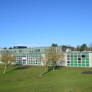 Stelrad LSTs provide safe heat for Hertfordshire school