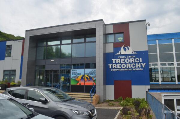 Stelrad supplies radiators to Welsh Comprehensive School